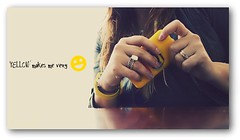 Use YELLOW (Teka e Fabi) Tags: color me yellow hands amarelo rings mos iphone partsofme aneis tekaefabi partesdemim useyellow useamarelo