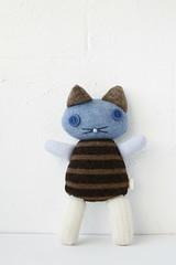 (MAIIKE Soft Things) Tags: blue cute wool animal shop cat toy stuffed kitten soft recycled handmade blues craft plush plushie kedi softtoys woolen maiike maiikestore