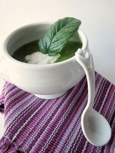 Crema Tiepida di Zucchine alla Menta con Panna Acida