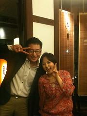 違った!さっきのは @hitoshi さんの嫌がらせ撮影だった!いとうまい子さん @maimai818 とのホントのツーショット写真はこちら!こちらも @hitoshi さん撮影!