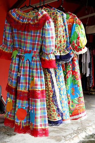 modelos vestidos de quadrilha