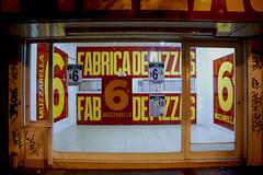 Fabrica de Pizzas (Roy Burstein) Tags: latinamerica southamerica argentina buenosaires pizza cheap fabricadepizzas