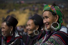 Spectators (DarrenWilch) Tags: new festival fun dance year x vietnam sapa hmong