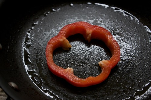 put pepper in a lubed pan
