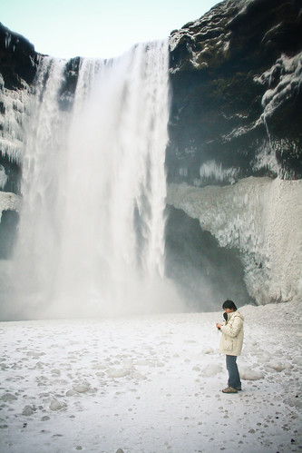 Skógafoss, Winter