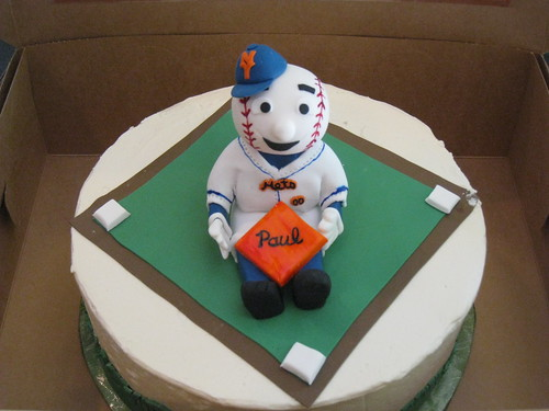 Mr. Met birthday cake for Paul