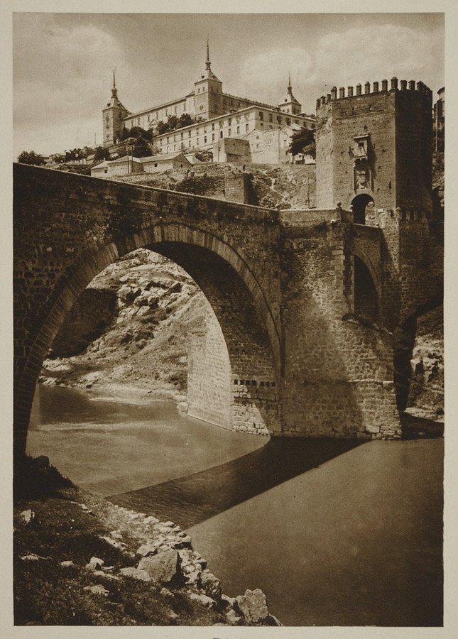 Puente de Alcántara y Alcázar hacia 1915. Fotografía de Kurt Hielscher.