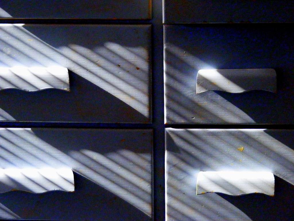 Blind Shadows, Old Blue Dresser