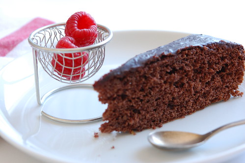 raspberries and chocolate cake