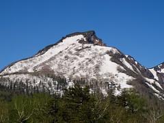 山頂付近からの残雪