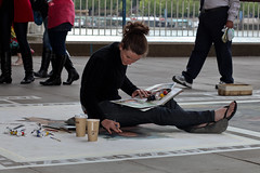 Emma McNally, Southbank (London) Artist (Craig Jewell Photography) Tags: london painting artist pavement iso400 davinci 85mm australia brisbane southbank replica painter cropped f71 uktrip ef85mmf18usm 1200sec canoneos5dmarkii emmamcnally 20100613023542img4867jpg