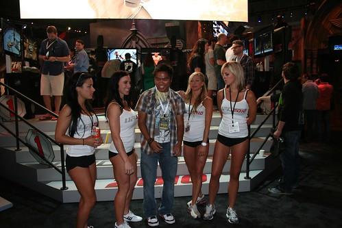 E3 2010 UFC booth babes