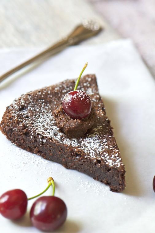 chocolate cherry gateau