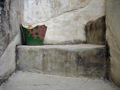 4_p_&_g (maximorgana) Tags: pink cidade green dusty wall stairs grey steps pg dirty crack crusty elx atmamanita´s