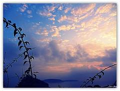 Ischia mia! (JorJey) Tags: pink blue sky cloud castle clouds sunrise de nuvole nuvola kodak alba song rosa cielo mia napoli antonio ischia azzurro castello picnik curtis napoletana tot aragonese canzone z980