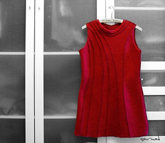 Many Seams - Viele Nhte. (sew-mad) Tags: red rot dress handmade walk sewing kleid nhen boiledwool sewmad