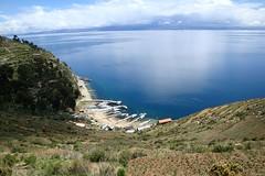 Isla del Sol (llaise) Tags: sun lake sol titicaca água azul lago island barcos bolivia céu copacabana andes isla ilha bolívia cais