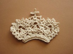 crocheted crown (ccyytt) Tags: crochet crown