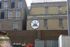 P1010162 (tekstur) Tags: london spaceinvader