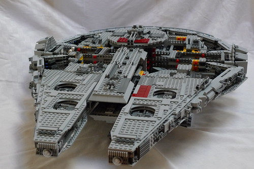 Lego Millenium Falcon build