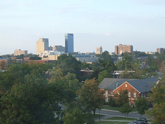 the U. of Kentucky, foreground, and Lexington, KY (by: Tombrarian, creative commons license)