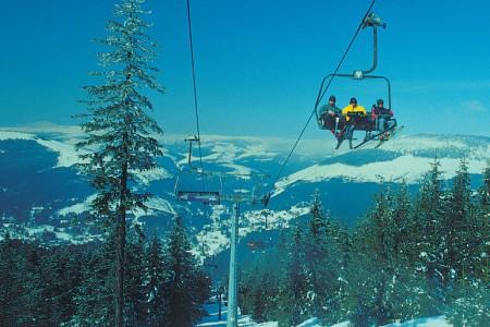 Pět tipů na jarní lyžování s dětmi