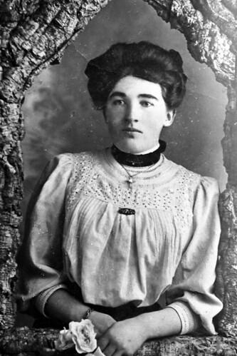 Marilyn Ross 1900s