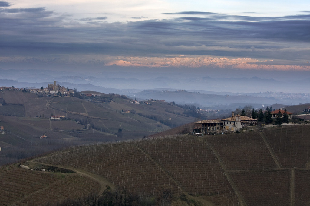 Alps sunset over the Langhe #1 (by storvandre)