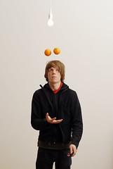 Experimenting with oranges (moritzotto) Tags: berlin kreuzberg 2006 makingof selbstportrait orangen selbstauslser