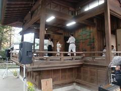 大鳥神社神楽殿演武5