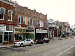 storefronts in Bentonville (by: nsub1/Nick, creative commons license)
