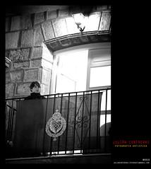 LA ESPERA (Julin Contreras) Tags: cartagena semanasanta procesiones canoneos7d semanasantacartagena cristodelsocorro julincontreras canon24105mmf4eflisusm instantesdeunapasin cofradadelcristodelsocorro viacrucisdelcristodelsocorro