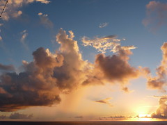 Navegando Alagoas-Bahia - 7 - Oceano Atlntico - by LAMV (Luiz Maron) Tags: ocean sunset sea sky cloud southamerica nature brasil clouds sunrise landscape mar sonnenuntergang natureza himmel wolken paisaje atlantic ciel cielo nubes nuages nuvem paysage  landschaft sonnenaufgang   himmelen skyer 2010 oceano solnedgang  soloppgang landskap puestadelsol  coucherdusoleil     atlntico romanizao  salidadelsol mostrar  leverdusoleil     spiritofphotography  lamv dmcfz28   luizmaron