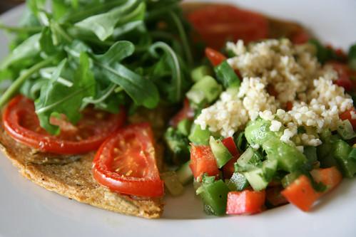 Farinata with salad and bulgar wheat