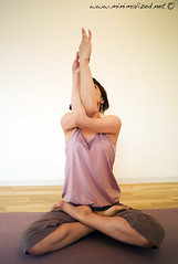 Wakana (minimalized) Tags: yoga asana yogapose  yogaasana minimalized helloyoga yogainjapan yogaintokyo benjaminrobins