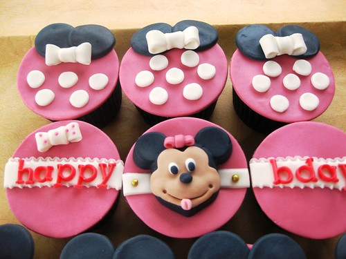 Minnie Mouse cupcake set