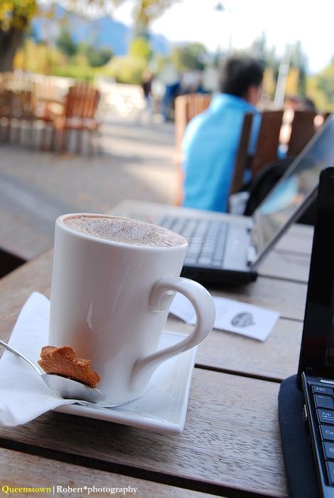 上網上到嗨咖啡店