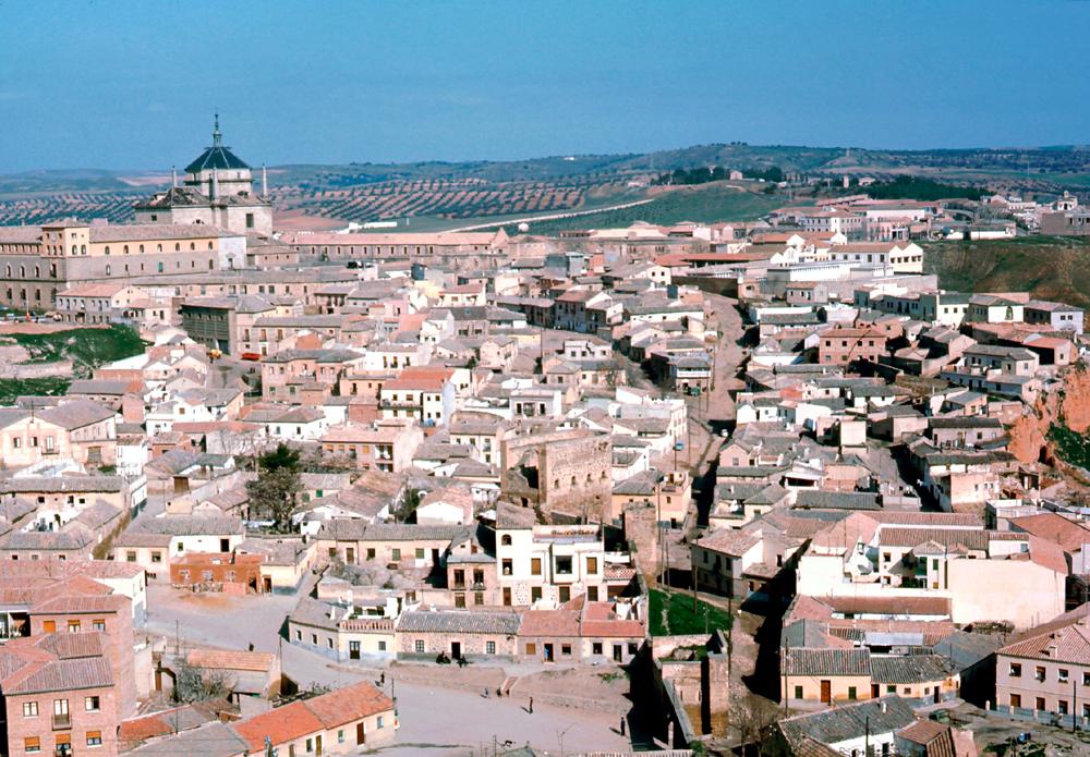 Barrio de las Covachuelas de Toledo en 1967. Fotografía de John Fyfe