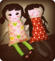 adel and prima (carlasdeleon) Tags: doll prima blackapple adelplushsushiumecrafts