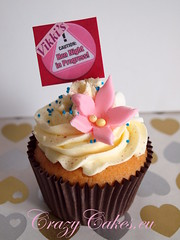 Watch Out Boys..... (crazycakes.eu ) Tags: sparkle cupcake hennight buttercream henparty crazycakes henpartycupcakes