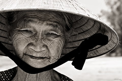 Wrinkle face (-clicking-) Tags: old portrait bw monochrome sepia women faces time older aged wrinkle visage vietnamesewomen wrinkleface 100commentgroup artofimages bestportraitsaoi elitegalleryaoi flickrtravelaward