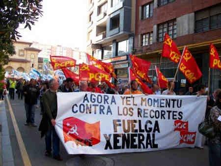 Comunicado y fotos:Asturies hacia la Huelga general 4624432269_194924c5fa_o
