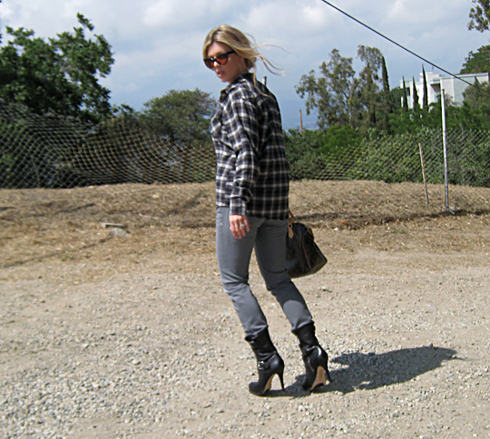 plaid+flannel+gray jeans+michael kors boots