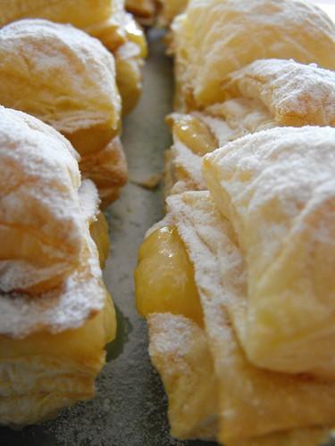Folhados de lemon curd