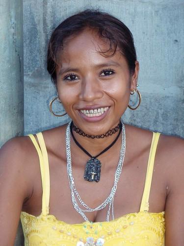 Smiling beautiful woman - Mujer hermosa sonriendo; Cacaopero, Morazán, El Salvador
