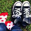 converse.bolinhas.jeans.verde (f. prestes) Tags: blue red verde green grass socks azul contrast cores cool vermelho jeans polkadots bolinhas grama converse contraste allstar meias