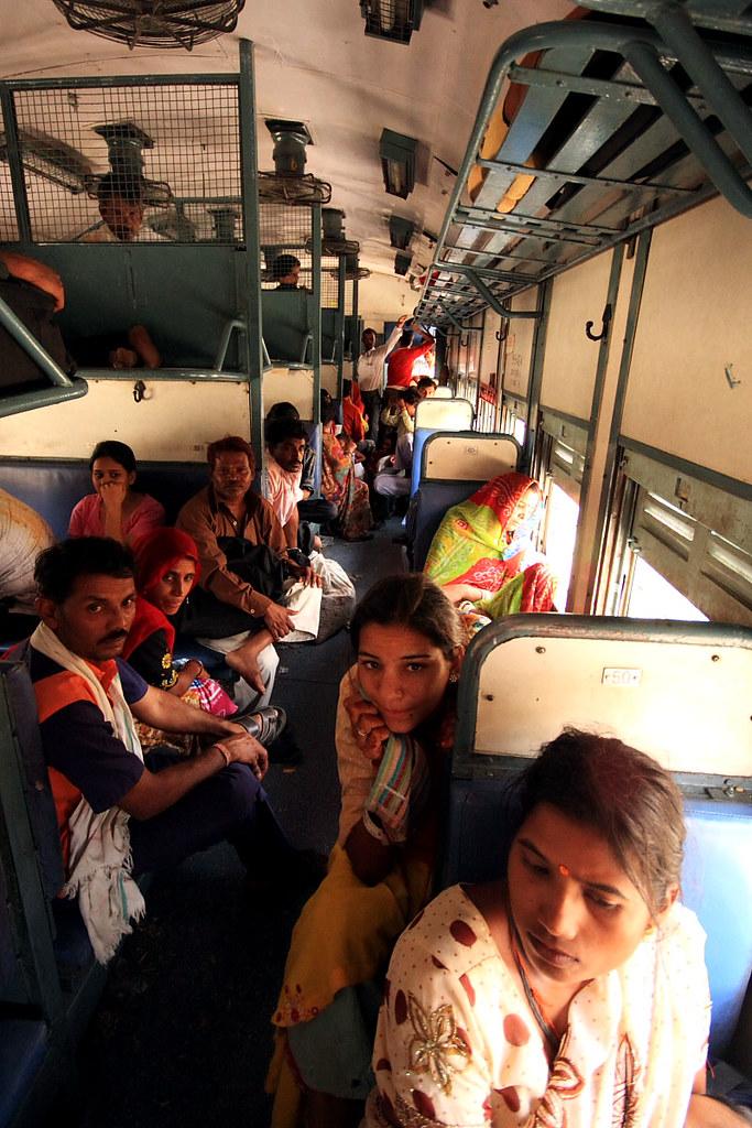 Jedziemy do Udaipur, czyli podróżowanie Indian style