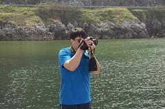 Turista en Islares (El Principe Encantador! con su Nikon D300) (sapiensbostonianus) Tags: nikon paisvasco castrourdiales d300 zarautz getaria marcantabrico guriezo espana riodeba debakohondartza