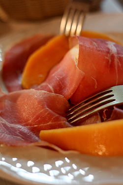 proscuitto and melon