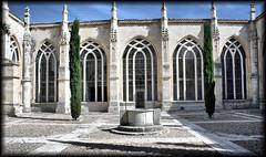 Claustro catedral de palencia (Roberto Lazo) Tags: art luz church composition photography photo spai